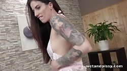 Wetandpissy Ali Bordeaux - Tattooed And Wet